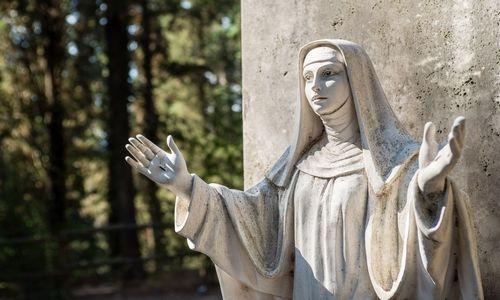 estatua de Santa Catalina